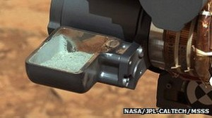 مسبار كيوريوسيتي يعثر على مؤشر قوي لوجود الماء على المريخ